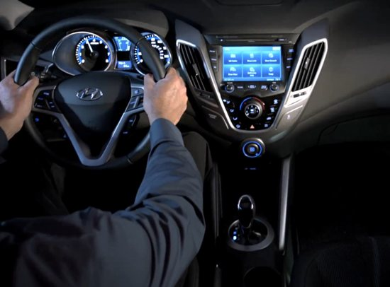 hyundai-veloster-interior-with-blue-link-Optimized