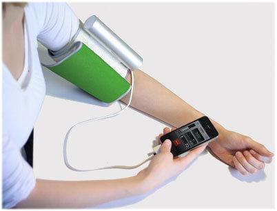 iphone 4 Blood-Pressure-Cuff-
